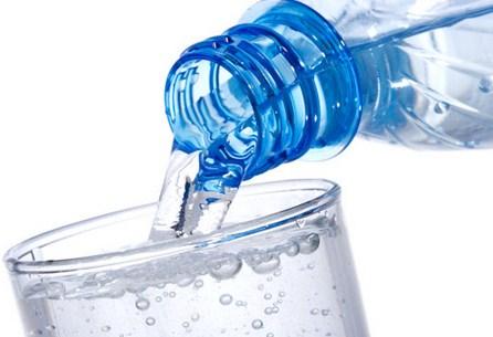 Manfaat Minum Air Putih di Pagi Hari dengan Filter Air